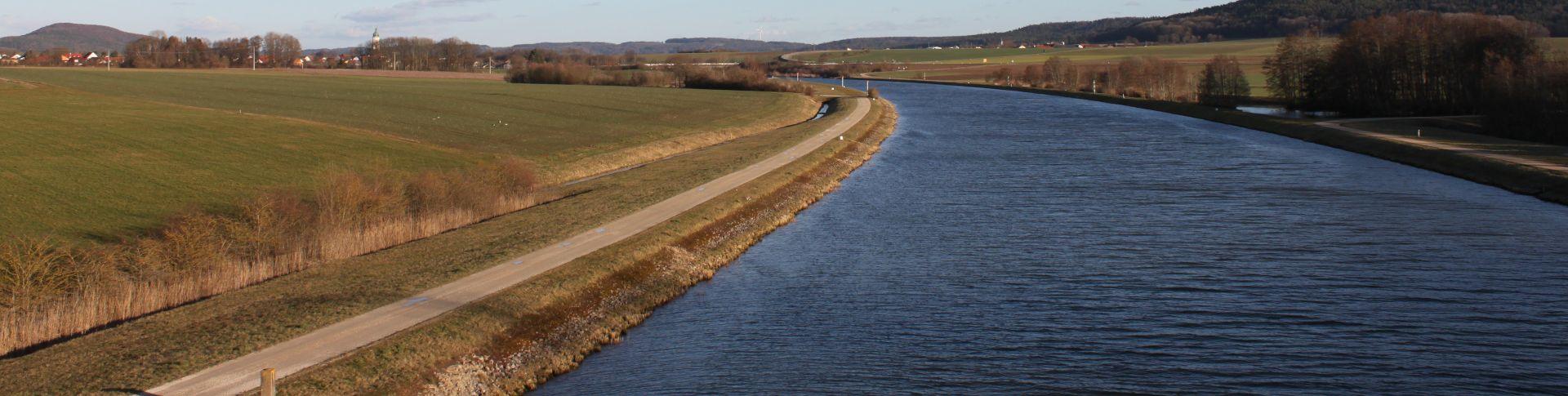 Bootfahren am Main-Donau-Kanal
